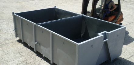 Uhlířský kontejner dělený